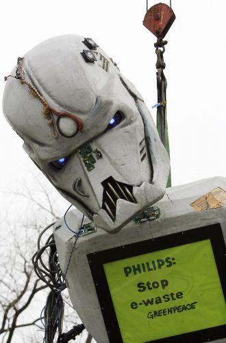 Robô de lixo eletrônico