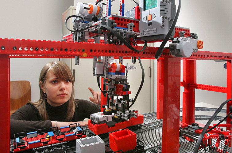 Lego e tecnologia para pensar