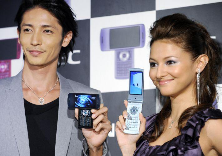NEC lança novos celulares no Japão