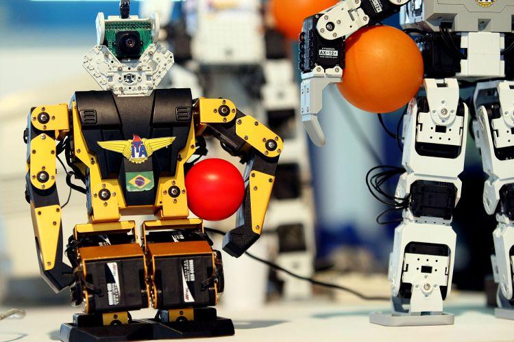 Robôs jogadores