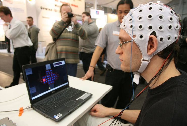 Cérebro comanda o PC