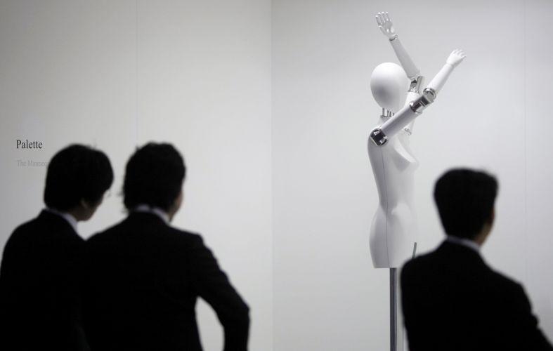 Robô manequim